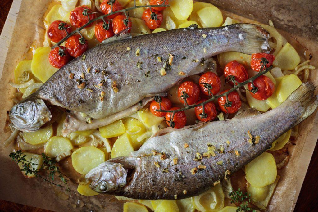 Backofenforelle auf Kartoffel-Fenchel-Gemüse